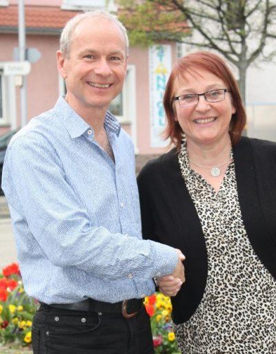 Hubert Kast mit Dr. Stephanie Hugenschmidt Bild: K. Heidke