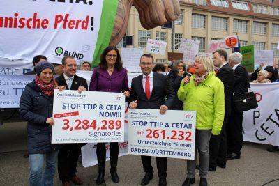 TTIP_Unterschriftenübergabe2