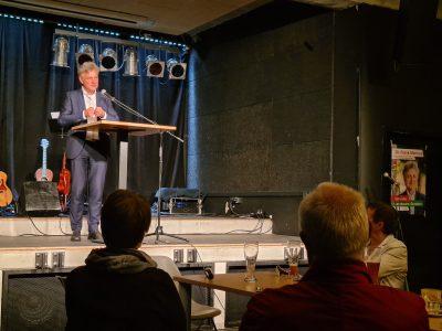 Frank Mentrup spricht im Substage Café bei seinem Wahlkampfauftakt