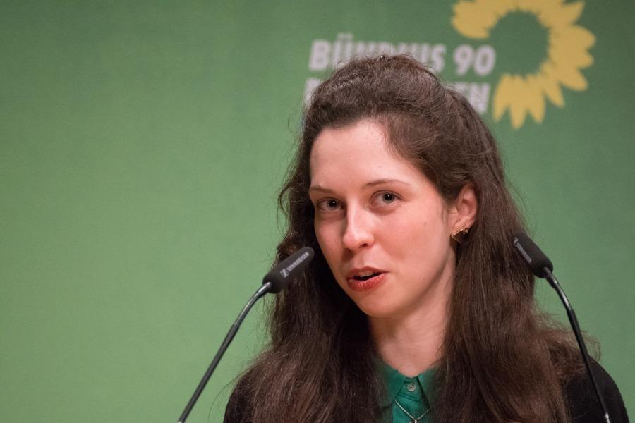 Zoe Mayer ist unsere Direktkandidatin für die Bundestagswahl 2021!